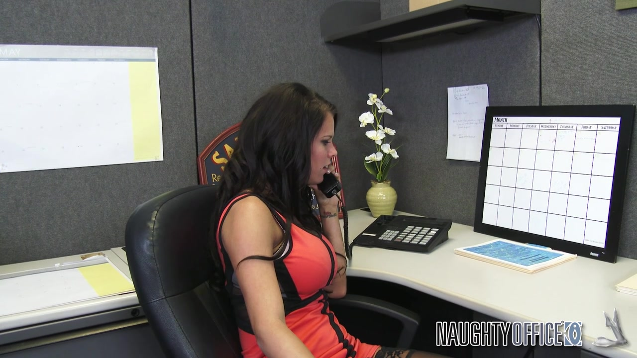 Johnny over hears his employee Peta Jensen arguing with her boyfriend.