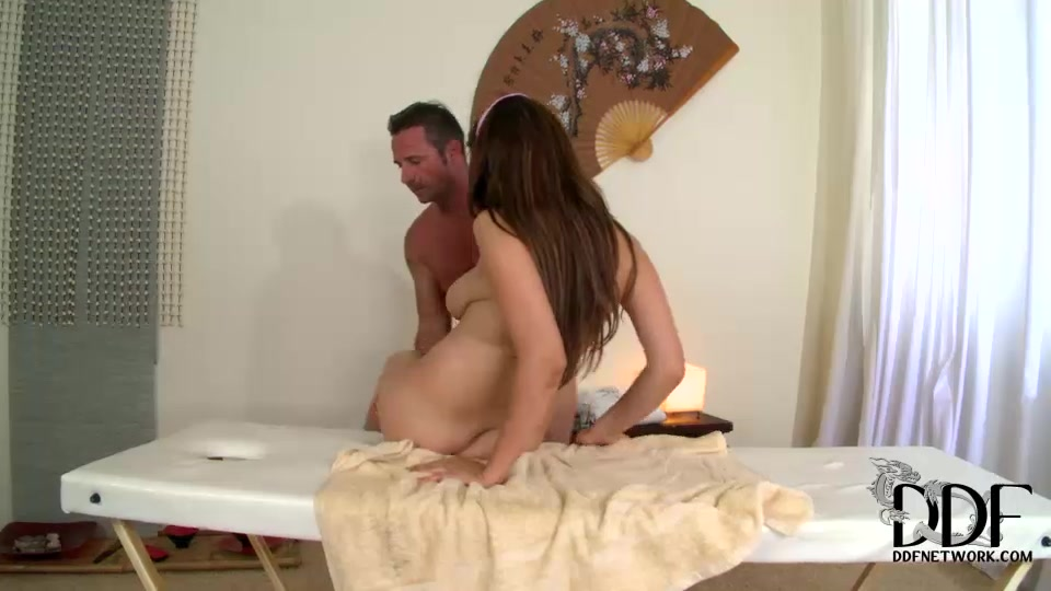 Marina goes about her duties in this full hd video, rubbing his back, other sensitive parts.