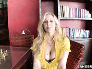 Julia Ann is one sexy MILF.