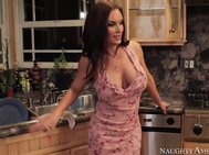 Diamond Foxxx is being neglected by her husband.