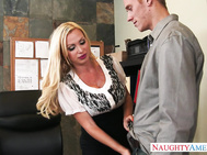 Nikki Benz caught one of her employee