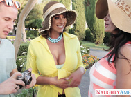 Ava Addams & Eva Notty are on vacation.