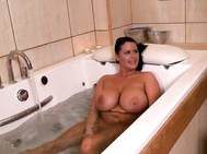 Clanddi jinkcego comes upon rebecca jessop relaxing in the bath.