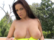 Posing her 36d-27-36 hungarian bod poolside in a yellow bikini today, she