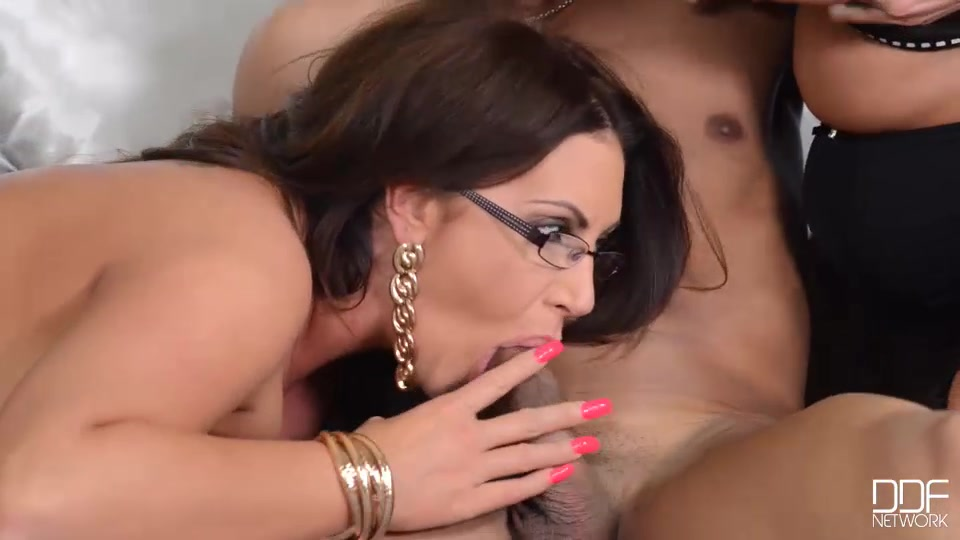 He jumps into the fray immediately, kissing laura, getting his face pressed into her 36f hungarian cleavage.