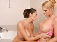 Oh boy, kyra hot from hungary, sensual jane from romania are playing with each other in the bath.