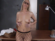 She'S Damn Hot - Now How About A Video Of Her With A Real Cock Instead Of A Pee Pee