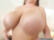 I mean you gotta see those huge fucking tits just bounce around while she's jumping on the bed.