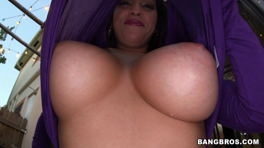 Jazmyn is such a horny girl she loves to show off her boobs, because it makes men hard just viewing those delicious size F tits.