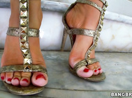 Jenna Presley is bringing her sweet feet on over for an amazing foot job.
