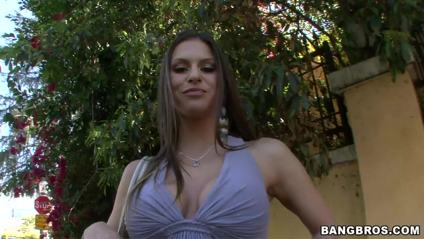 Today we have the very sexy and special Rachel Roxx.