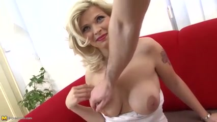 Cute mommy mature gets beautiful sex with innocent boy